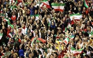 ورود زنان به سالن رقابت های والیبال نوجوانان آسیا آزاد شد